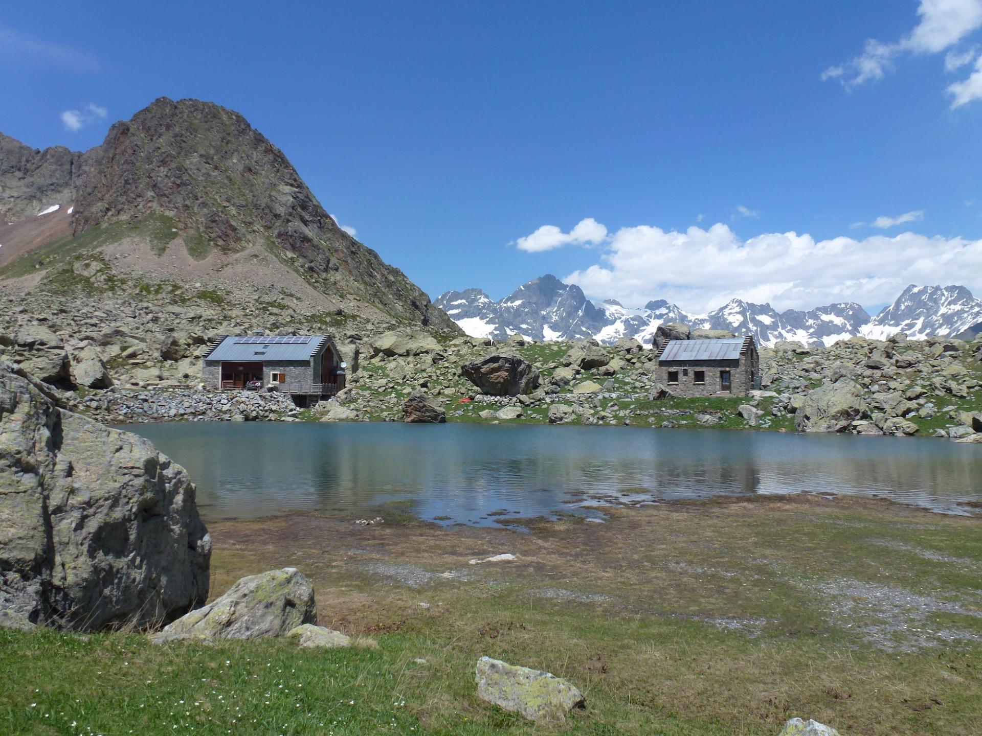 Refuge de Vallonpierre 2270 m