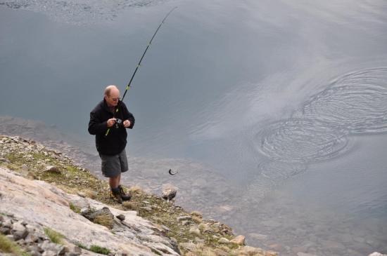 Pêche dans les lacs de Croupillouse.jpg